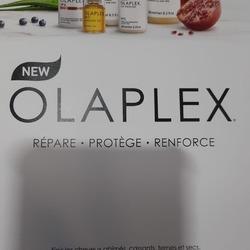 🚨🚨🚨 NOUVEAU 🚨🚨🚨 Retrouvez la gamme OLAPLEX dans votre pharmacie!😍😍😍  Ce qui rend OLAPLEX si singulier? un ingrédient actif breveté (le bis-aminopropyl-diglycol-dimaléate), qui agit sur les cheveux de l'intérieur pour rechercher et réparer les liaisons disulfures brisées par des dommages chimiques, thermiques, mécaniques et environnementaux.  OLAPLEX : ➡️ peut être utilisé pour restaurer tous les types de cheveux, quels que soient les dommages qu'ils ont subis.💆♀️💆♂️ ➡️tous les produits sont sans sulfate, sans parabène, sans phtalate, sans colorant.👍  Venez vite découvrir OLAPLEX!😉